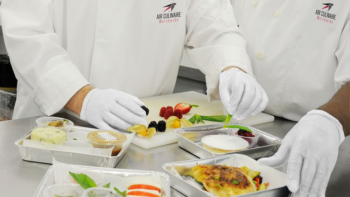 facts about the airline catering industry The airline industry is one of the most dynamic sectors, growing constantly and exponentially with over 60 years experience in in-flight catering.